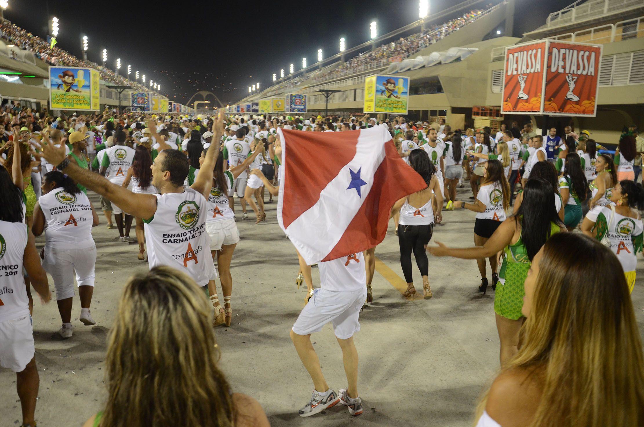 Carnaval 2013 - Imperatriz Leopoldinense - Ensaios Técnicos da Sapucaí - Foto: Alexandre Macieira|Riotur  | Rio Guia Oficial | www.rioguiaoficial.com.br