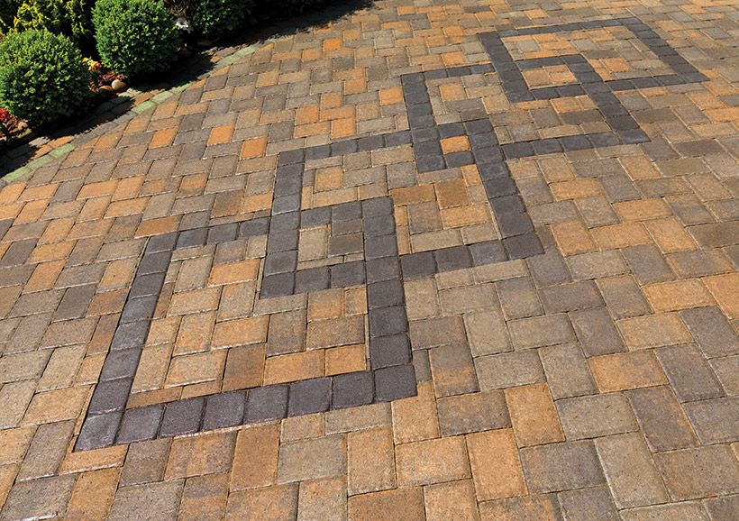 Multicolored Pavers In A Random Pattern Accented With Four Amazing Pavers Patterns