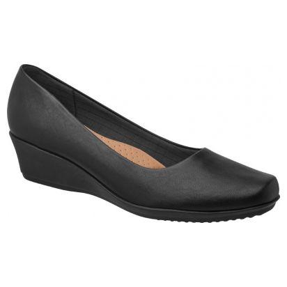 Flight attendant shoes