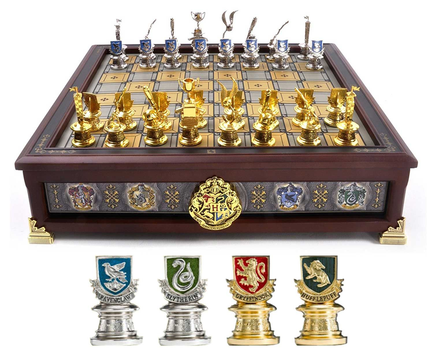 harry potter hogwarts houses and quidditch chess set play. Black Bedroom Furniture Sets. Home Design Ideas