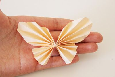 Lisa loves cupcakes ♥: Step by Step: DIY Schmetterlinge