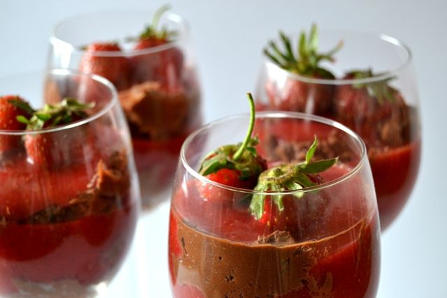 Egg free chocolate mousse with strawberries and cardamom #eggfree #chocolate #dessert