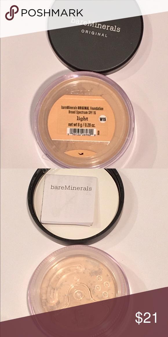 BareMinerals Original Foundation Brand New. In shade Light. Full size: 0.28 oz bareMinerals Makeup Face Powder