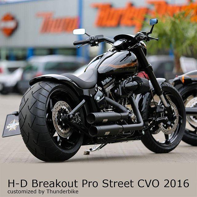 Thunderbike Customized Harleydavidson Softail Breakout Cvo 2016 With Our Fender Kit 260m Harley Davidson Pictures Classic Harley Davidson Harley Davidson