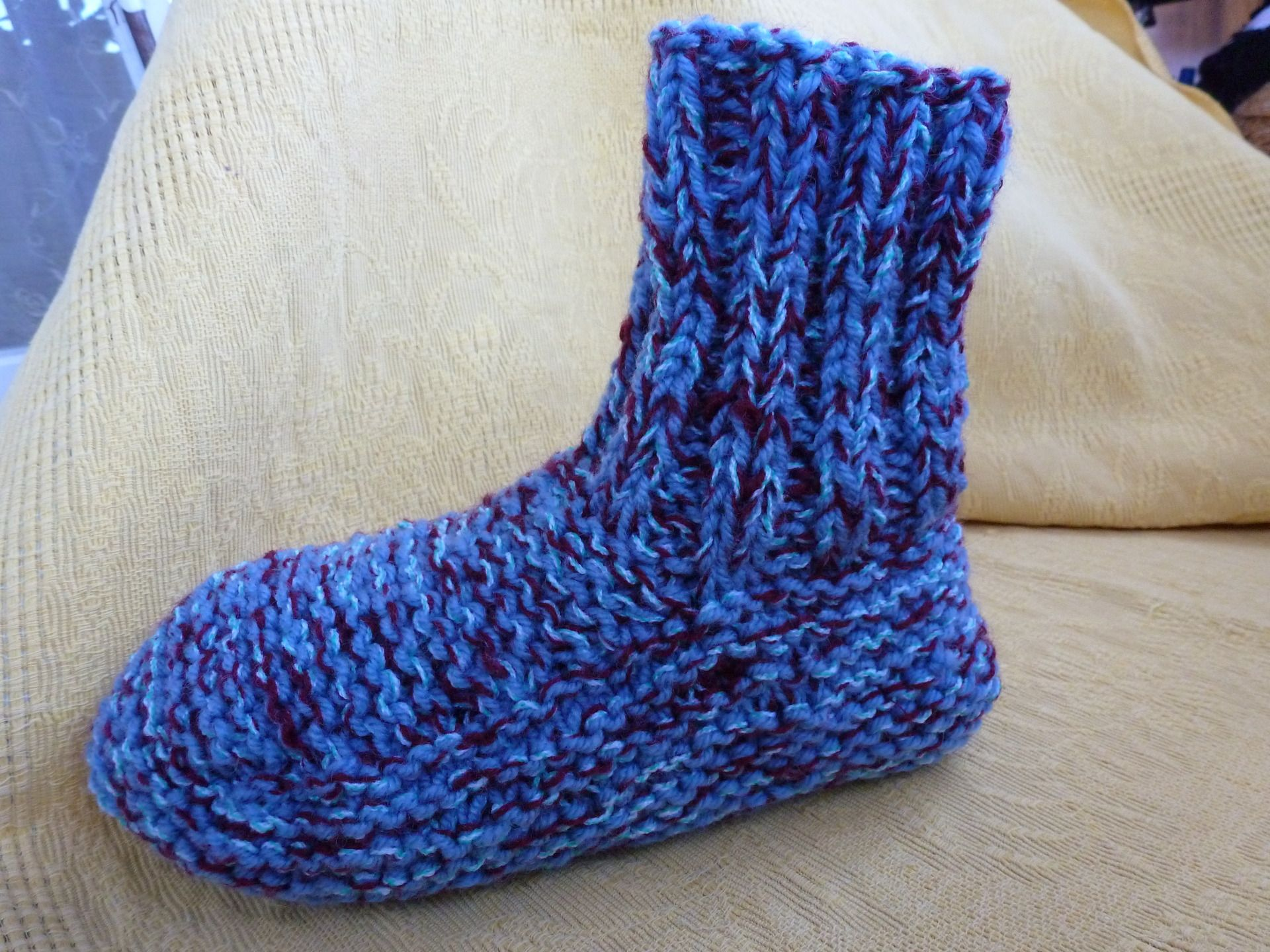 cbda7033fac49 comment tricoter des chaussons adulte femme
