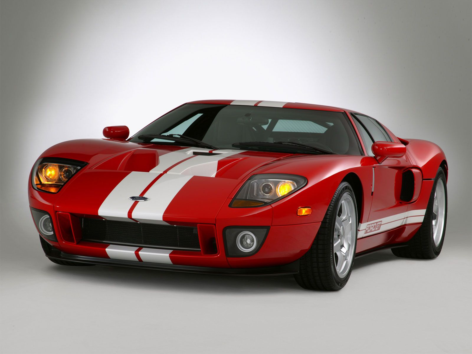Ford Gt40 Red With White Stripes Pics Ford Gt40 Ford Gt Car Ford