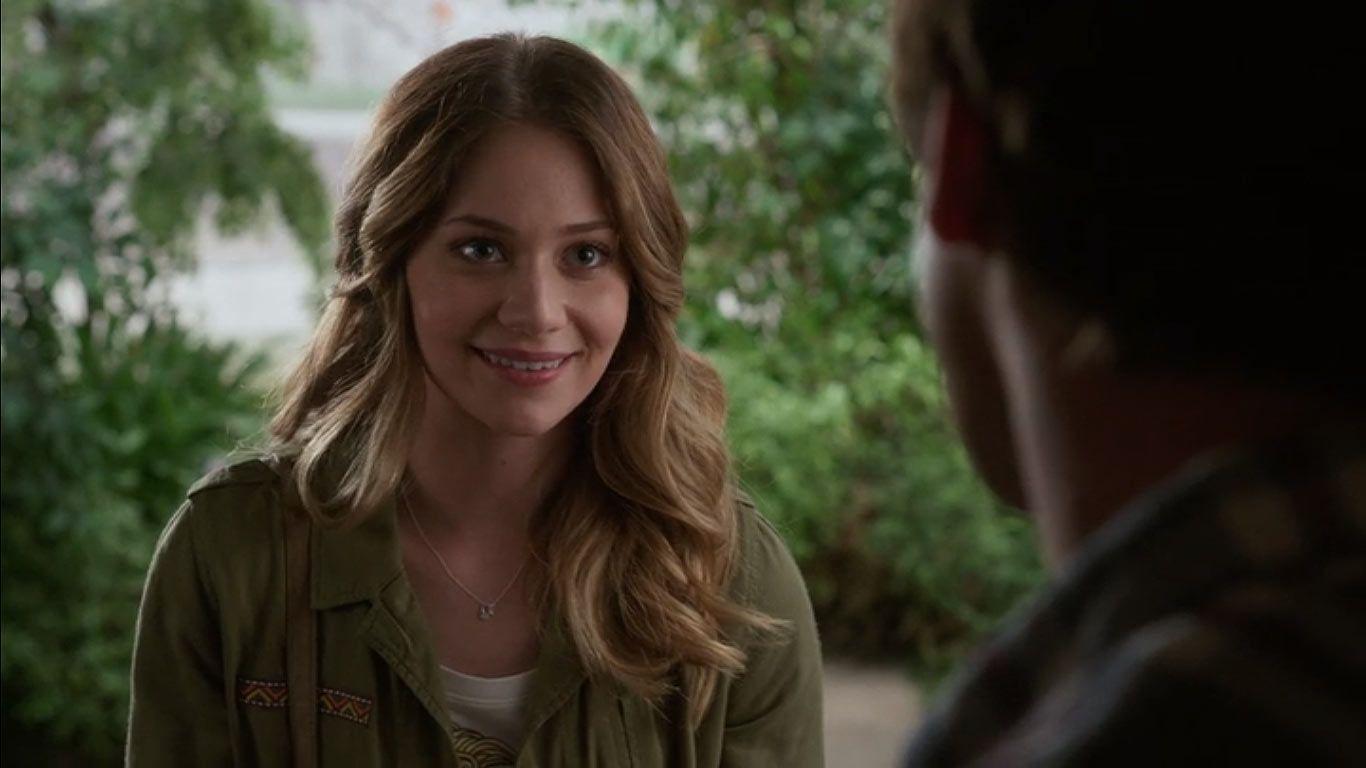 Amanda Leighton amanda leighton as emma in season 4, episode 16 of the