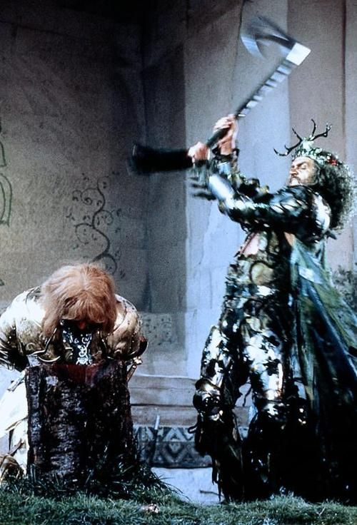 Sean Connery Wielding An Axe As The Green Knight In The 1984 Film Sword Of The Valiant The Legend Of Sir Gawain A En 2020 Caballeros Templarios Rey Arturo Templarios