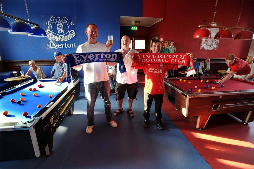 It S A Pub Of Two Halves Welcome To Liverpool S Red And Blue