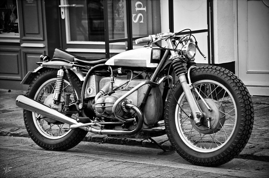 How low can you go? Love this BMW R60/5 custom.