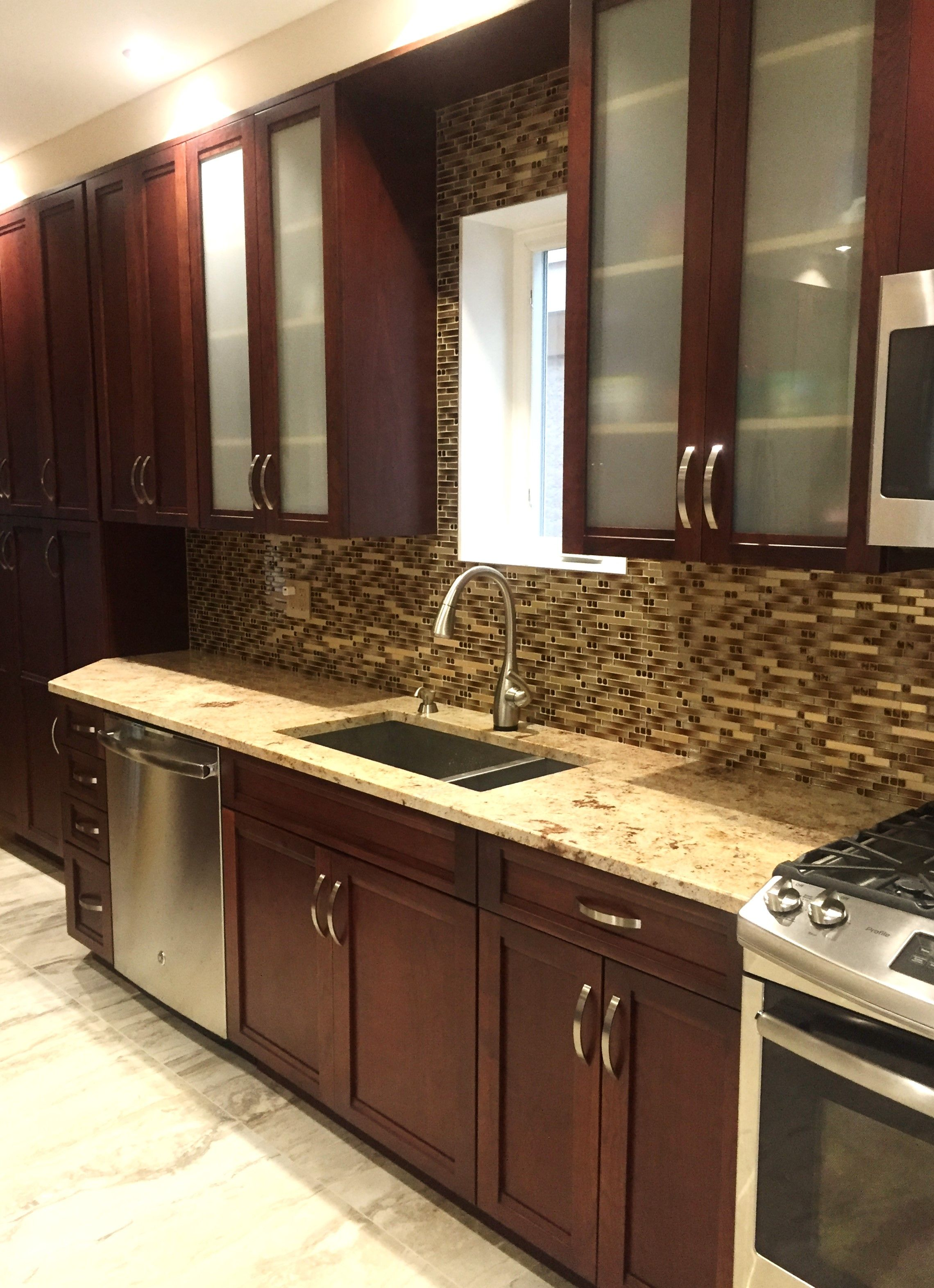 New Shaker Style Door From Hanssemour Designers Will Keep You Up Custom Modern Kitchen Cabinets Nyc Design Ideas