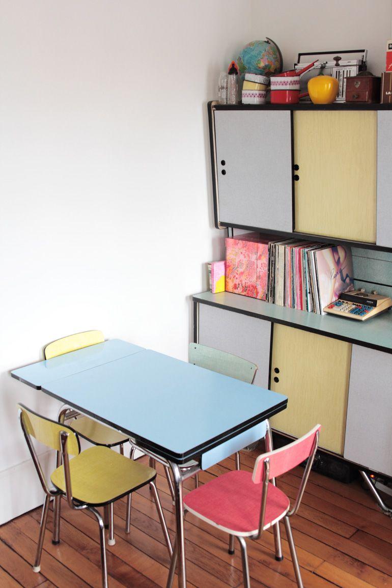 Block Colour Kitchen. PastellWohnen50er Jahre Stil KüchenModerne Küchen RetroküchenRetro DekorationDeko IdeenKüchenschränkeVintage Möbel