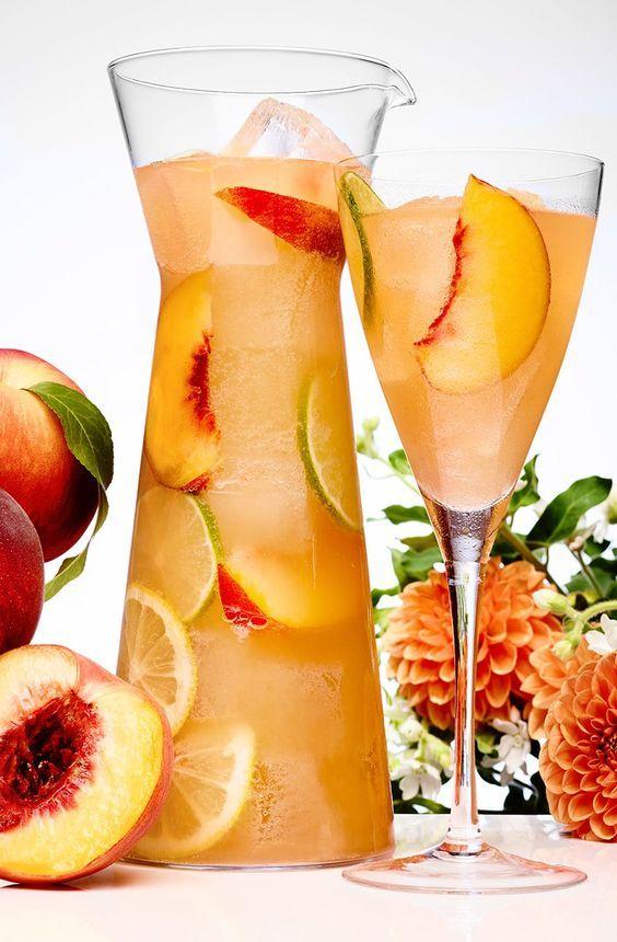 Peach Sangria Recette Recette De Limonade Recettes De Boissons Recettes De Cuisine