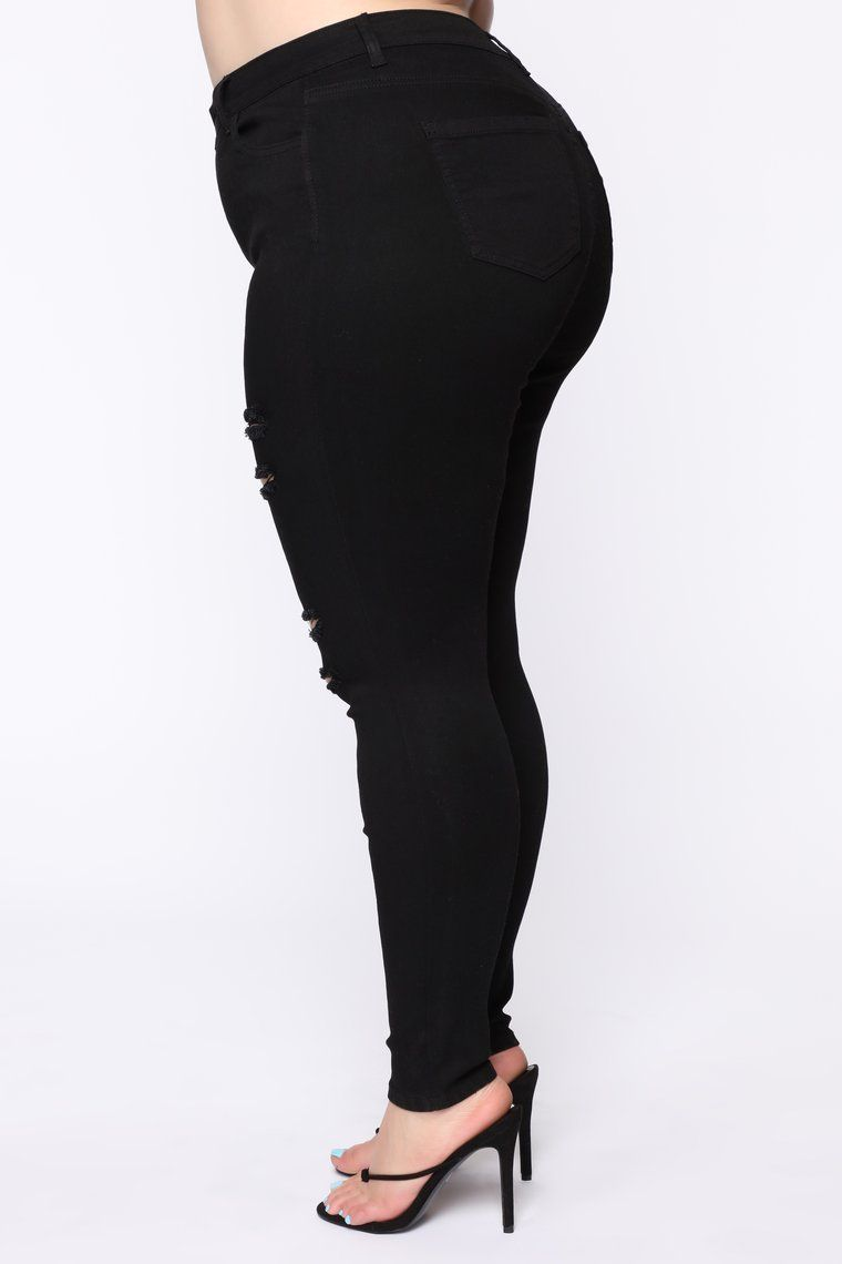 Get Curvy Distressed Skinny Jean - Black