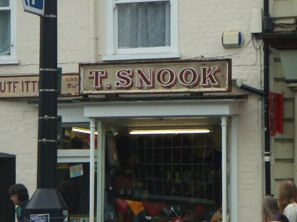 T. SNOOK via @letteringshop