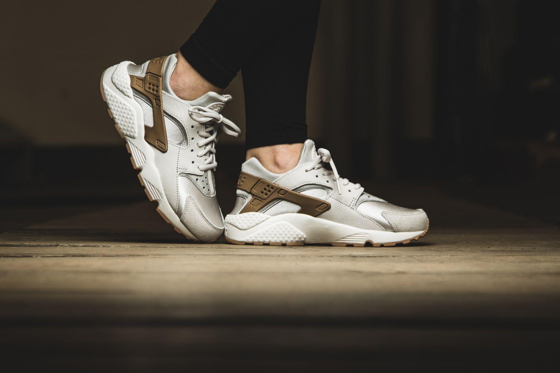Nike Herren Air Huarache Run Prm Laufschuhe beige