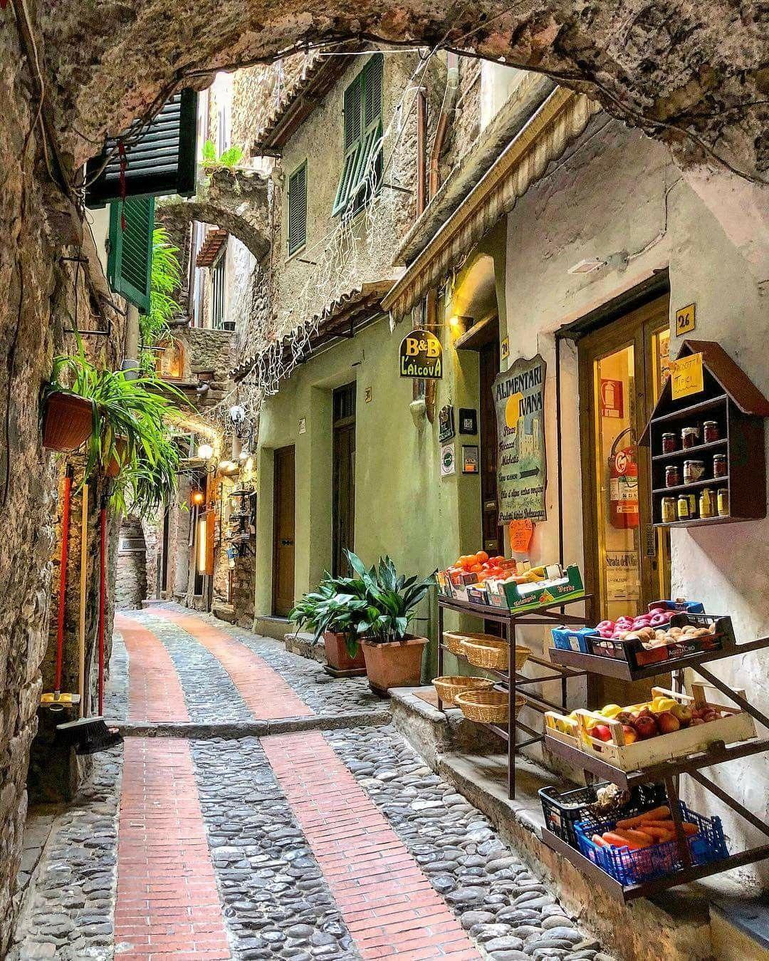 Dolceacqua, Liguria, Italy (con immagini) Paesaggi