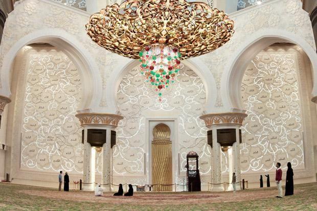 Sheikh-Zayed-Grand-Mosque.jpg (620×413)