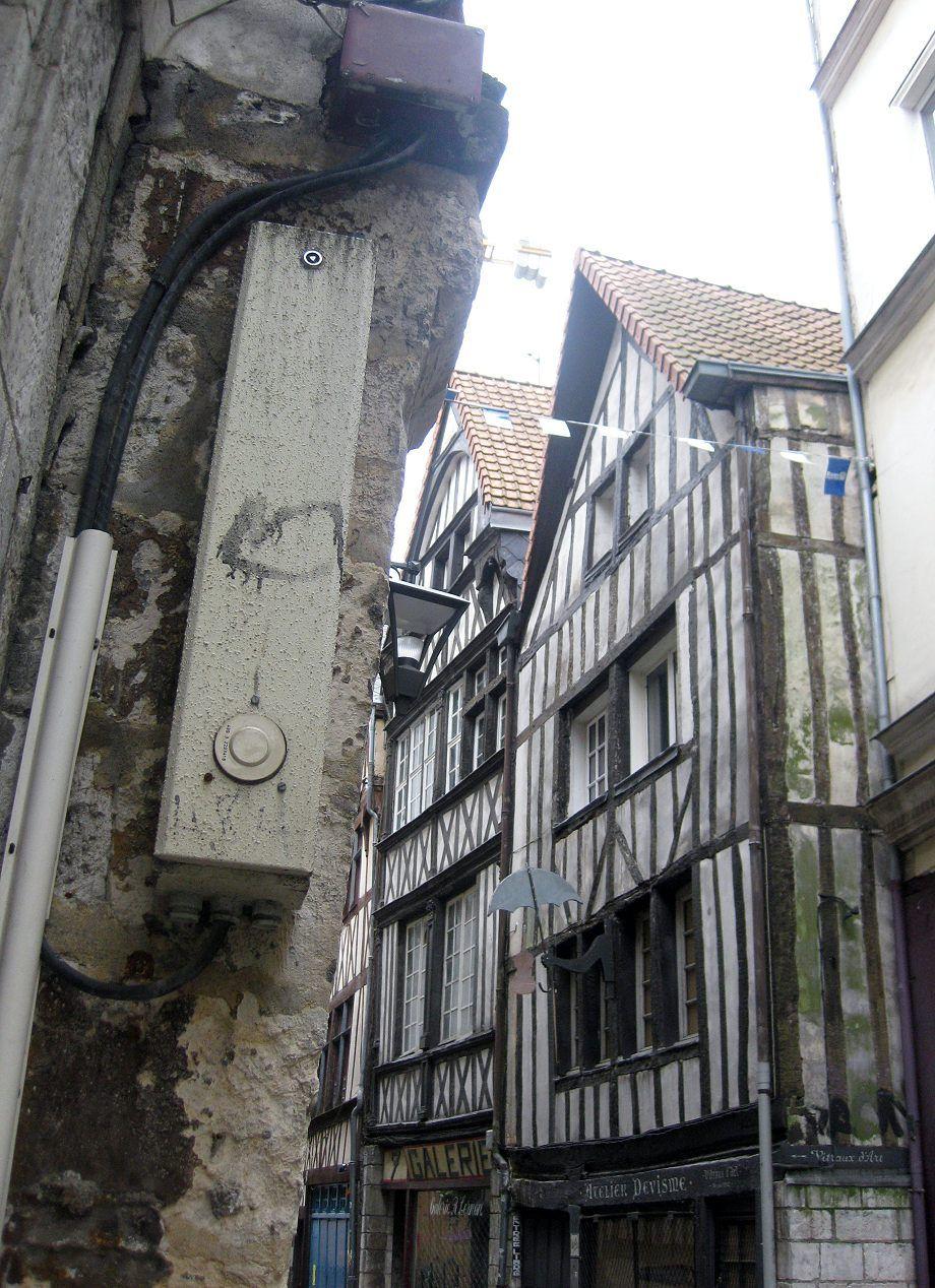 ALTSTADT ROUEN NORMANDIE wurde in Frankreich, Rouen aufgenommen und hat folgende Stichwörter: Rouen.