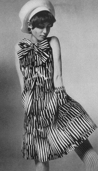 Benedetta Barzini Photo By Irving Penn Vogue April 15