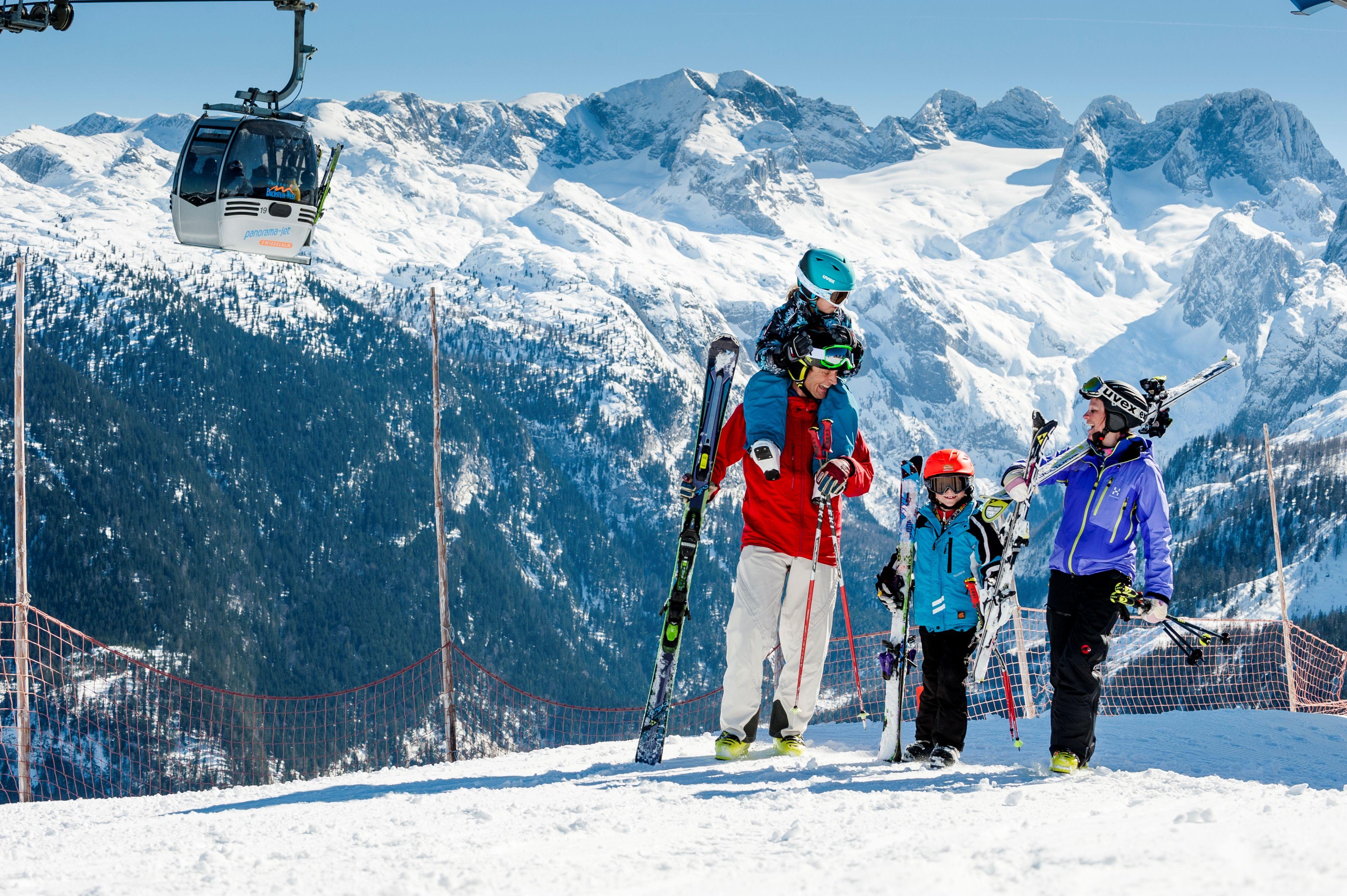 Dachstein-West gehört zum größten Skigebiet Oberösterreichs, ideal für die ganze Familie