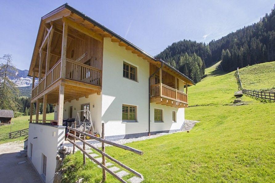 Apartments Prè Calalt, Willkommen in La Villa in Alta Badia, Ferienwohnungen in Südtirol, Italien, auf www.travelina.ch