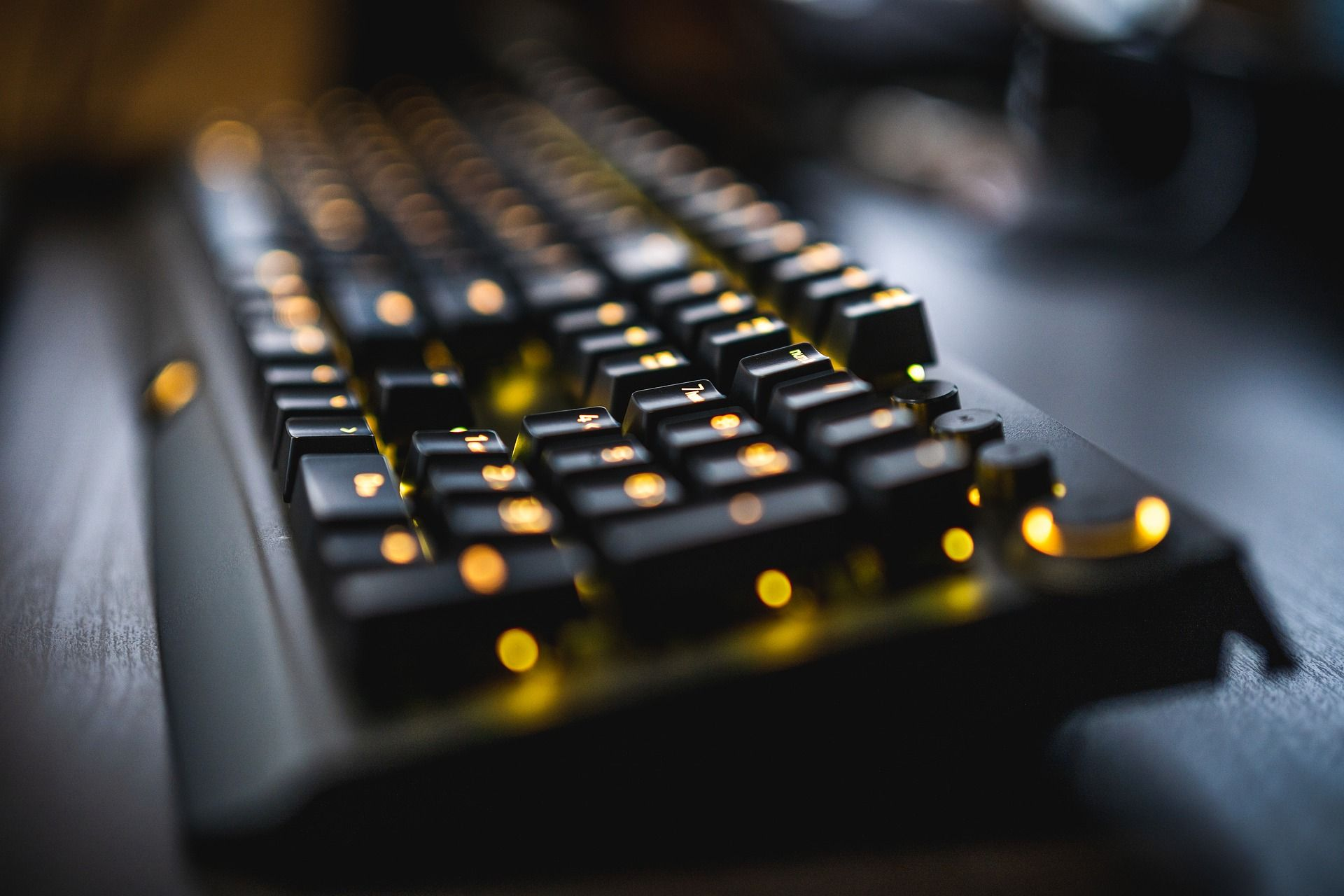 Pros and cons of online gaming in 2020 Gaming