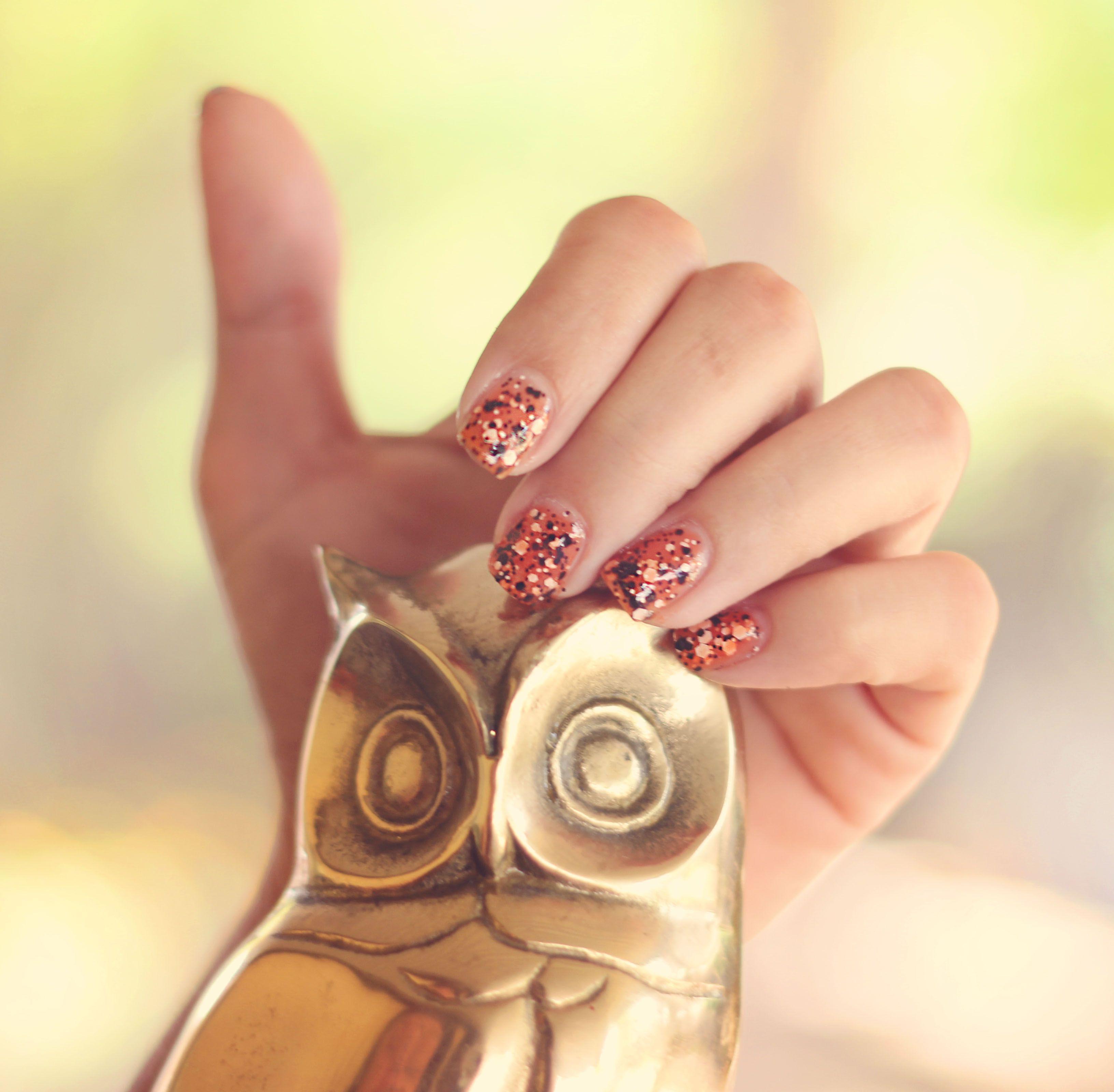 Easy halloween nails cute orange black polka dot polish by halloween nails cute orange black polka dot polish by maybelline nails lacquer pinterest easy halloween nails maybelline and manicure ideas solutioingenieria Choice Image