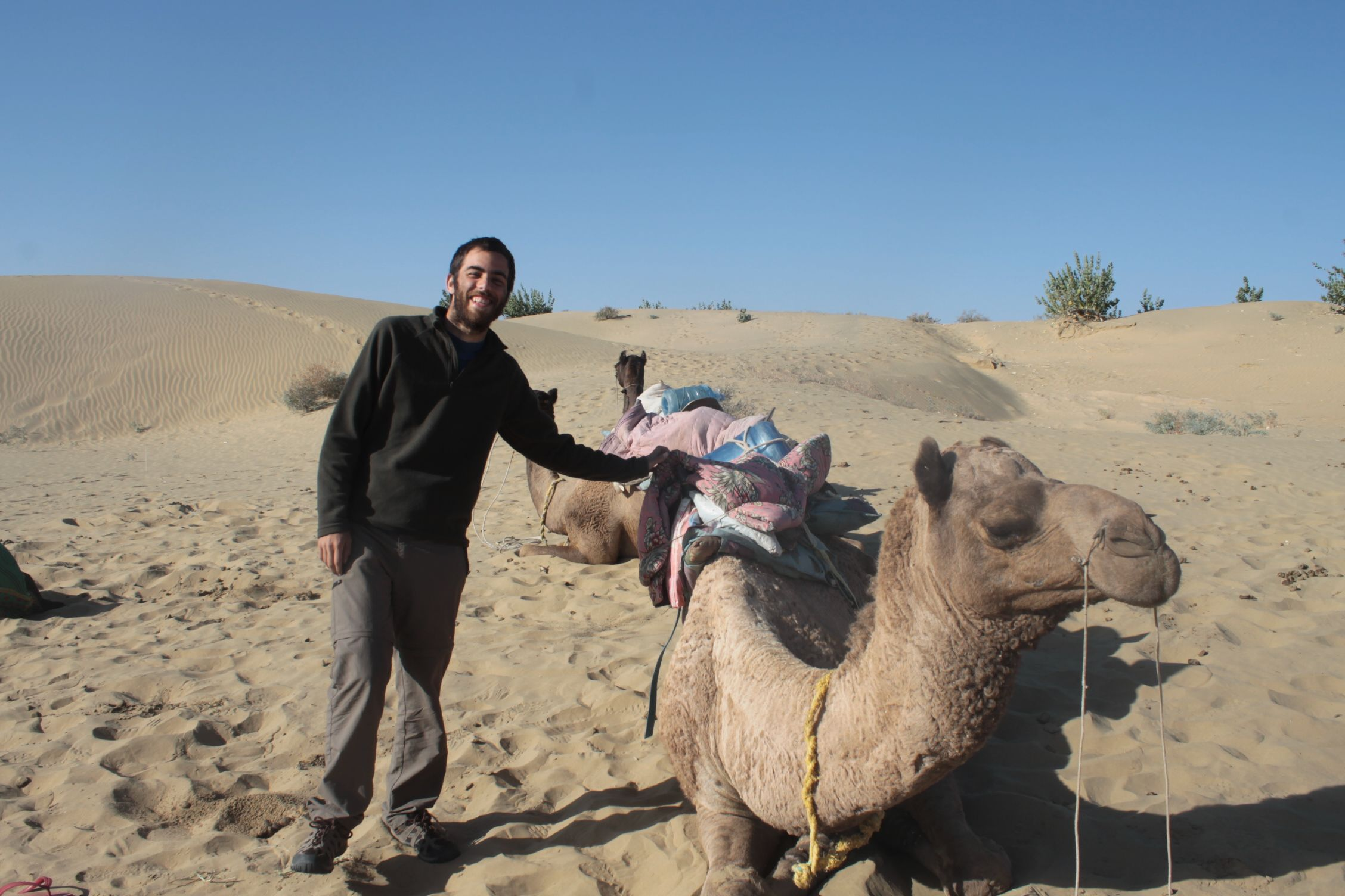 Dani junto a su camello