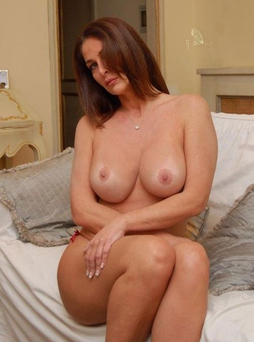 Sexy milf aus hot!! amazing