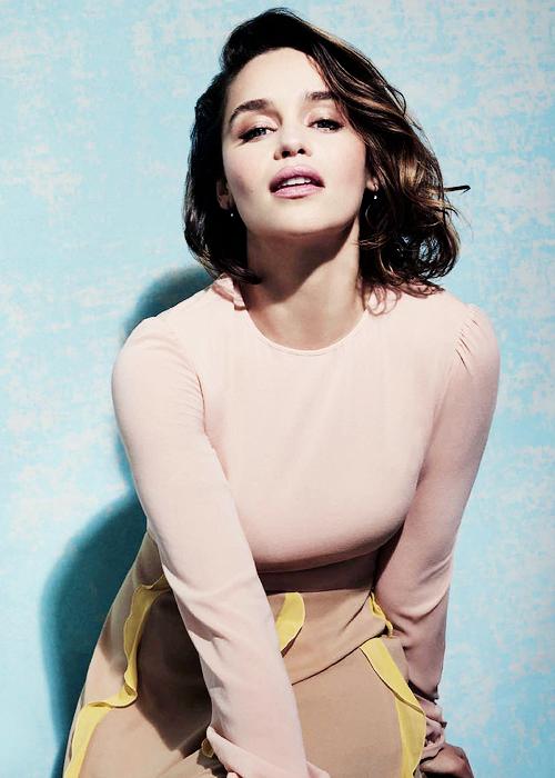 The Queens of Beauty | Emilia clarke hot, Emilia clarke ...