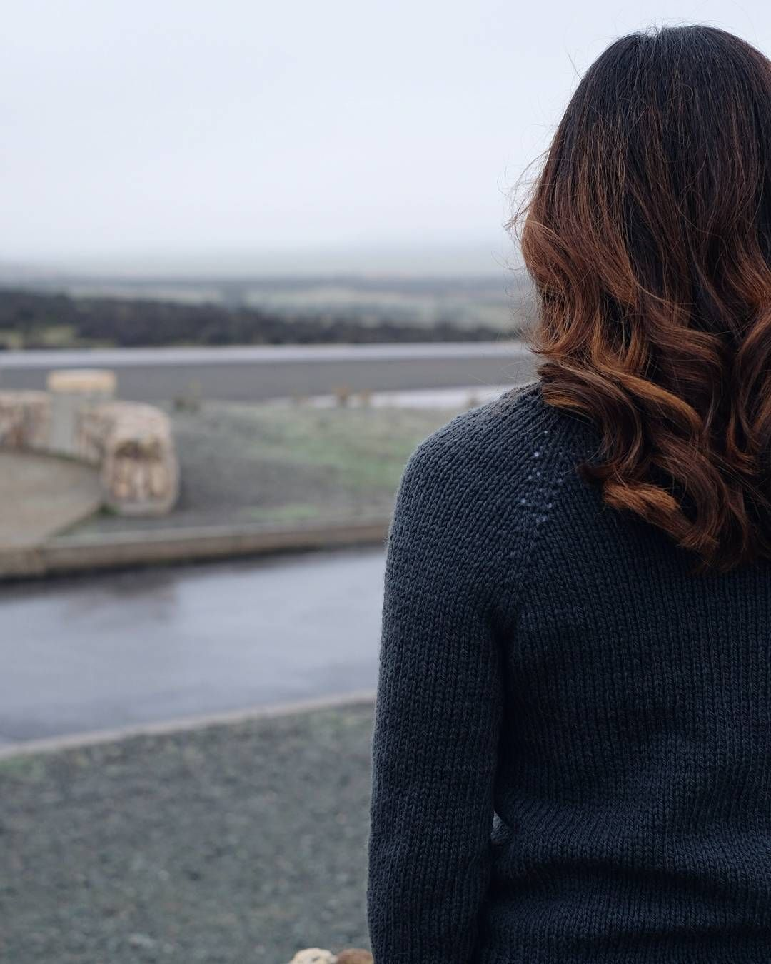 My beautiful friend @blumenjj at a viewpoint earlier today wearing her finished @knitbot Lesley in Father which is just fantastic and I need one now. Thanks Jenny! by yarnonthehouse