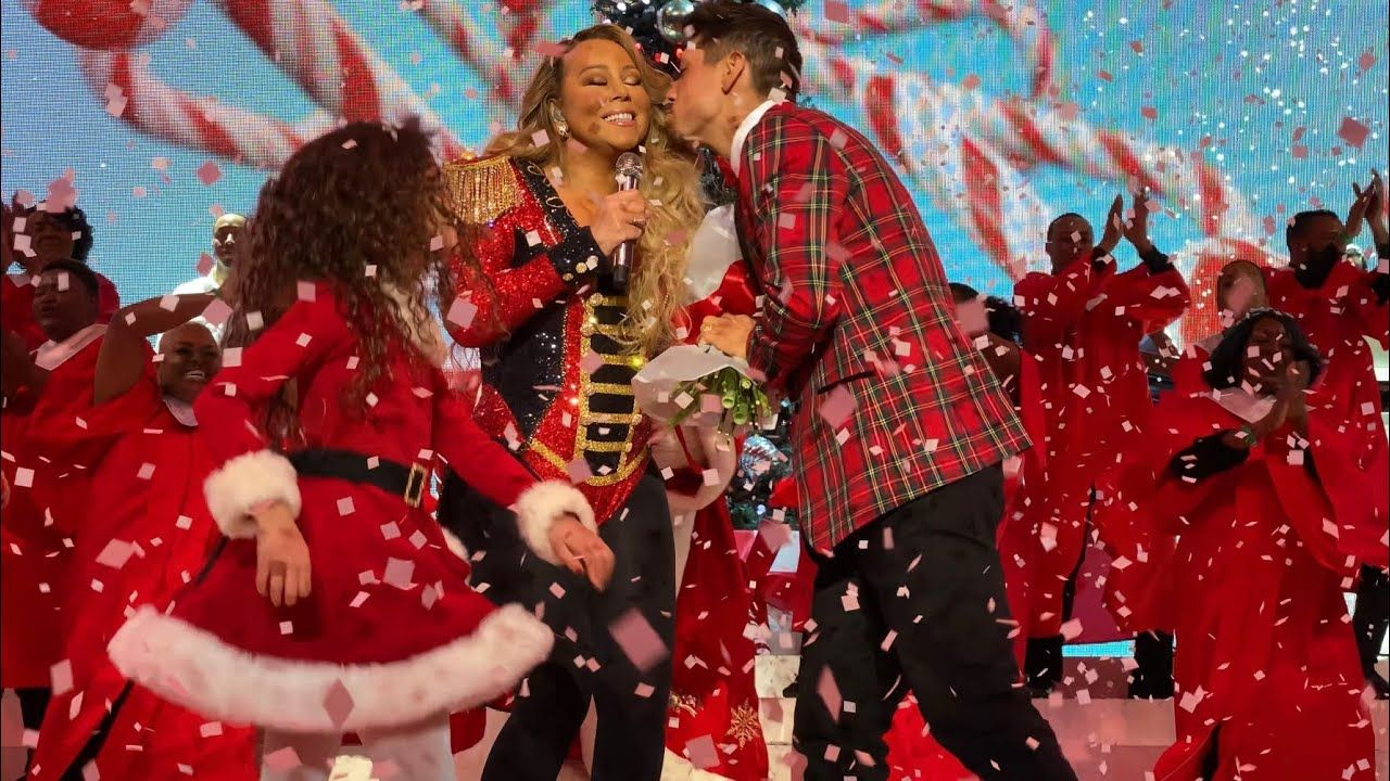 Mariah Carey All I Want For Christmas Is You Live Madison Square G Mariah Carey Mariah Carey