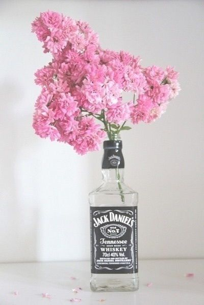 Image via We Heart It #alcohol #flowers #jackdaniels #pink #pinkflowersbeautygirly