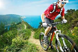 Ревю на някои от най-добрите велосипеди за планинско колоездене от 2015 година - колелета за крос-кънтри, даунхил и all-mountain каране.