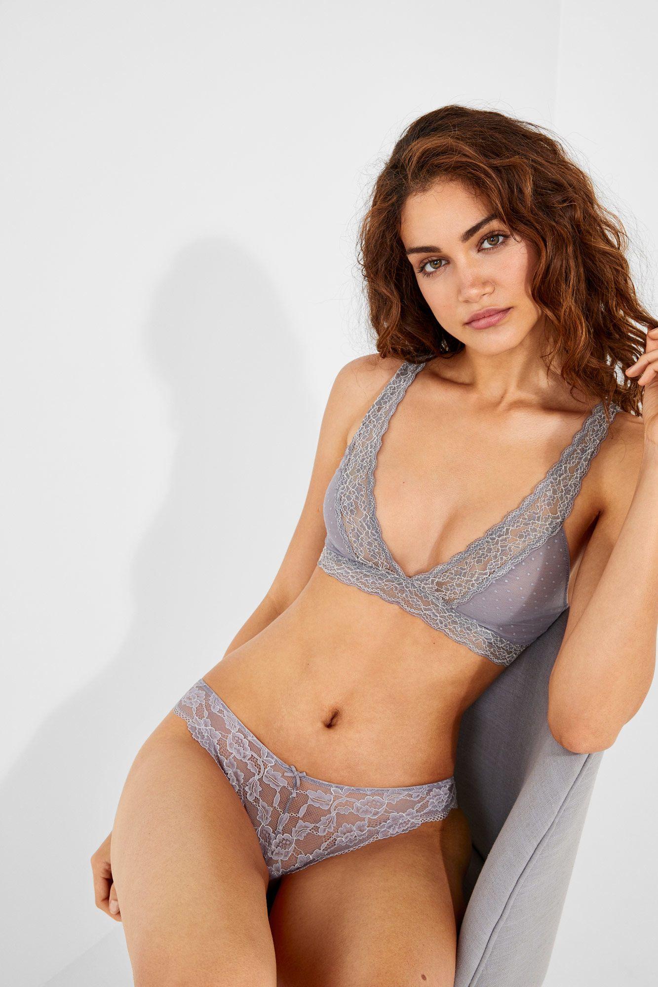 86edf3744c061 Lace and mesh halter bra