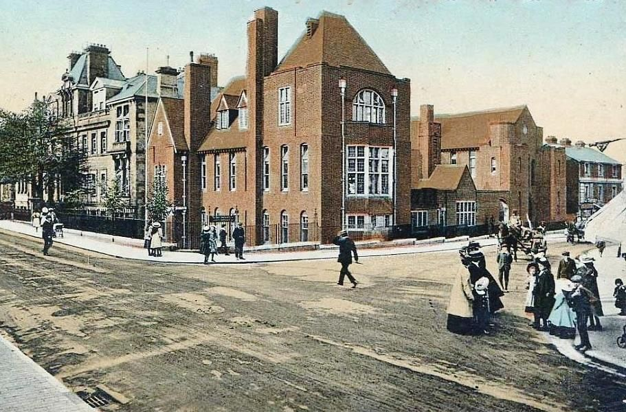 Looking at the old General Hospital on the junction of Grosvenor Road and Goods Station Road c1910.