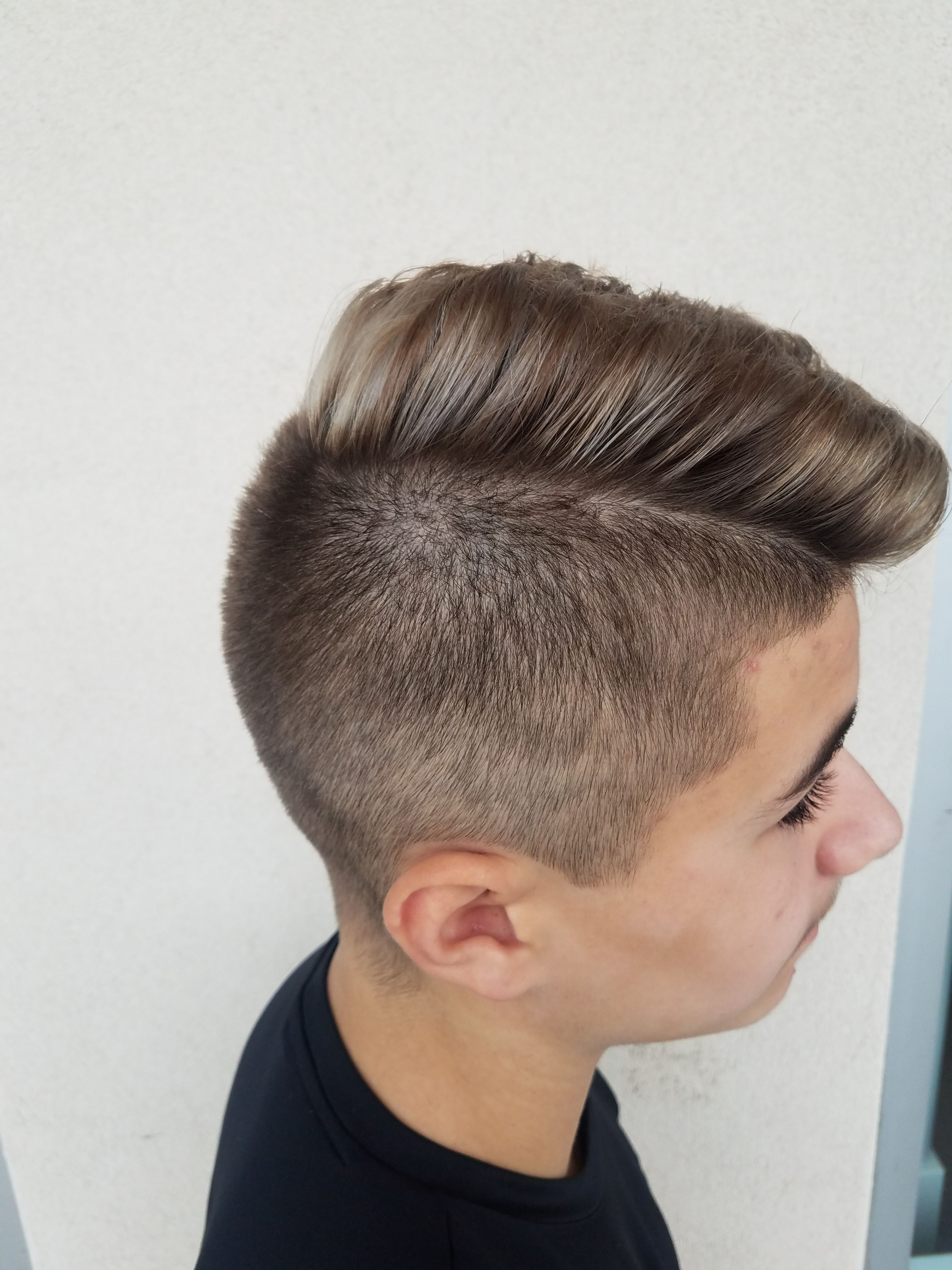 Men s disconnected undercut from schwarzkopf professional - Here At La Salon Bianca We Love Balayage Men Of All Ages Are Getting Balayaged