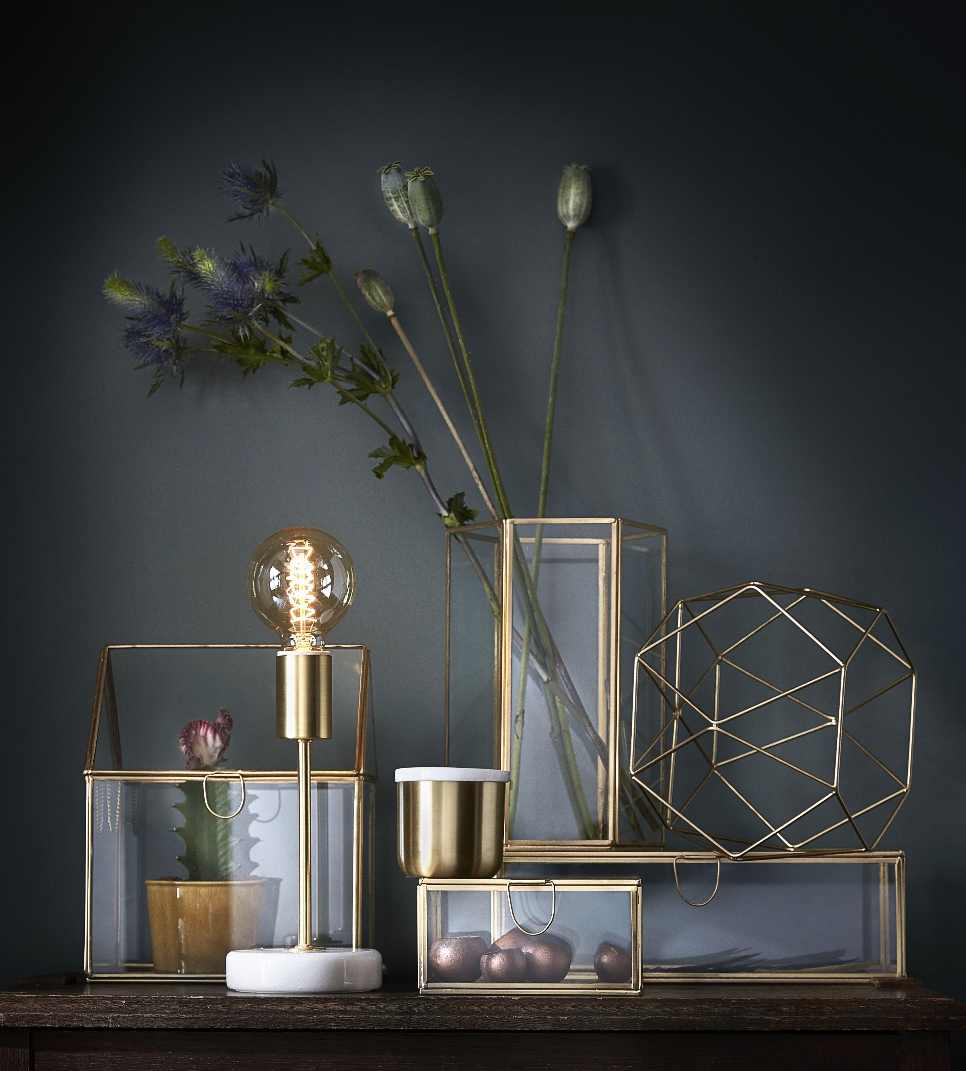 Pinterest Sophiamorina Black Wall With Gold Accessoirses Deco Decoration Maison Cyrillus Maison