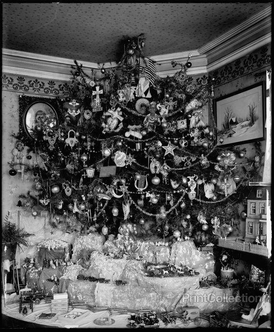 Hauck Christmas Tree, date unknown Christmas tree, Vintage