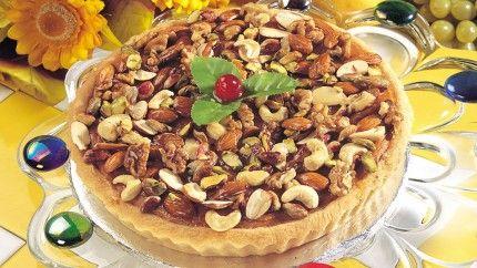 تارت التفاح والمكسرات Recipe Food Desserts Arabic Sweets