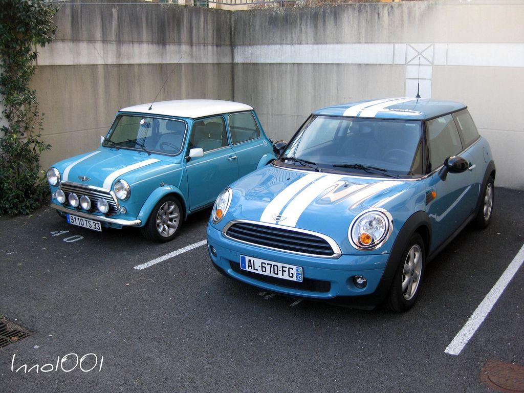 Original Mini in Oxygen Blue, next to a modern mini in ...