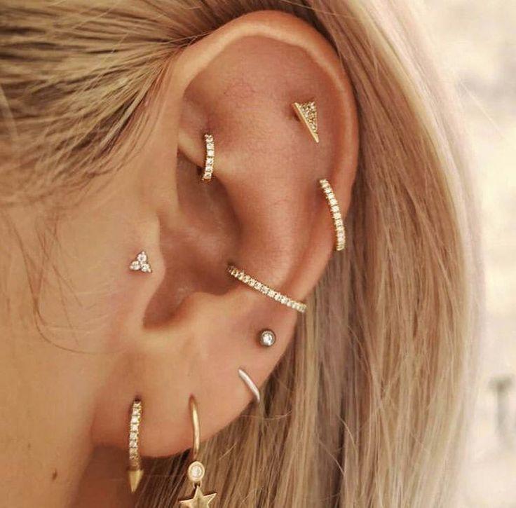 Ohrlöcher #piercing #combinations #tragus Rook Piercing Kombinationen tragus, Doppelhelix und