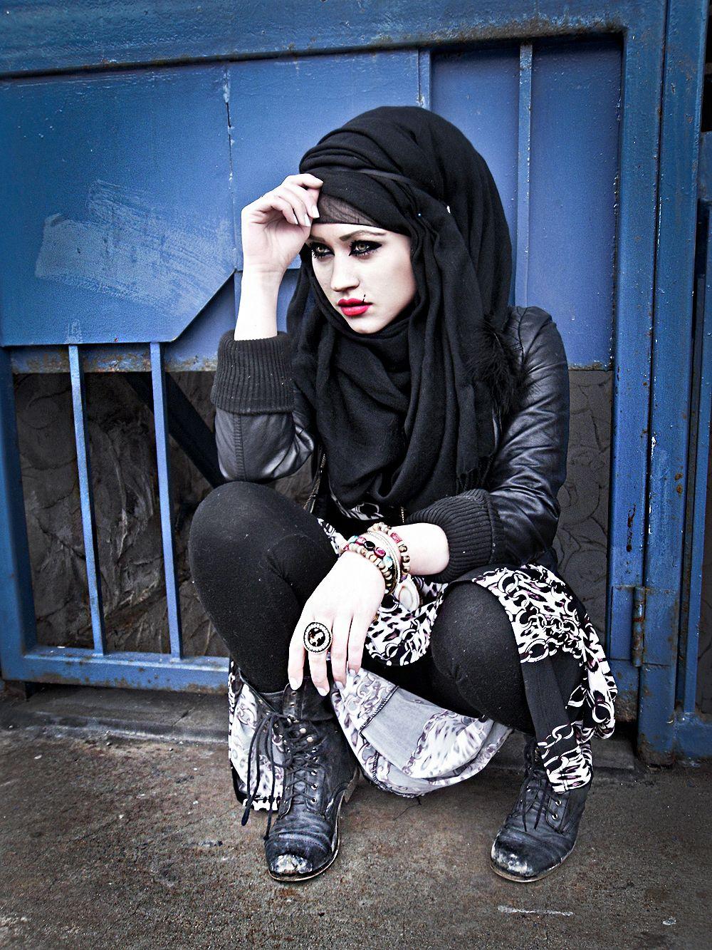 Darque Lovely No One Knows Im Here Gothic Fashion Pinterest Tendencies Kaos Faith Hitam M