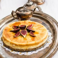 Lemon Scented Vanilla Cheesecake with Fresh Figs and Honey.