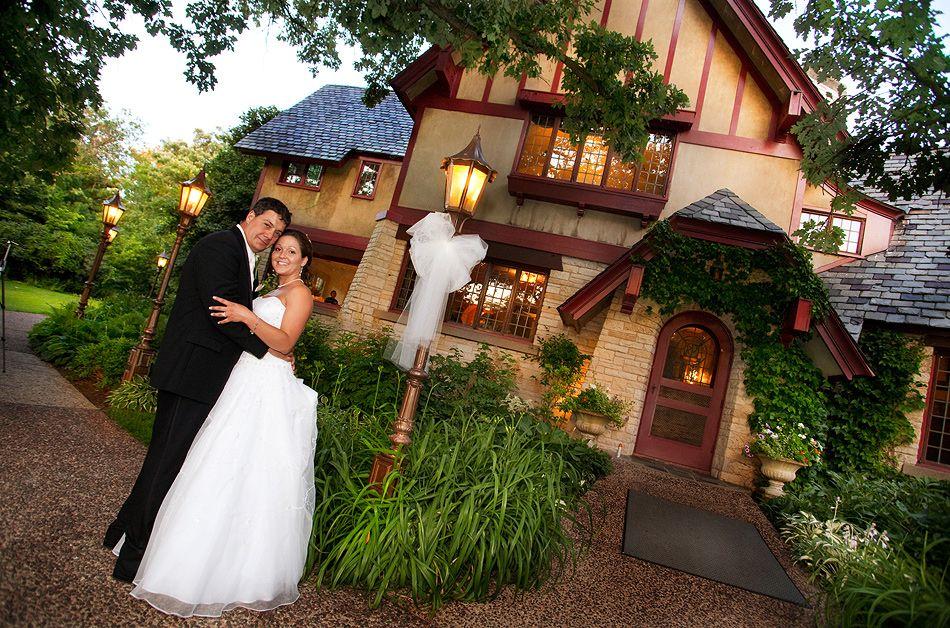 The Redfield Estate At Grove Keywords Chicagoweddings Jevelweddingplanning Follow Us Www