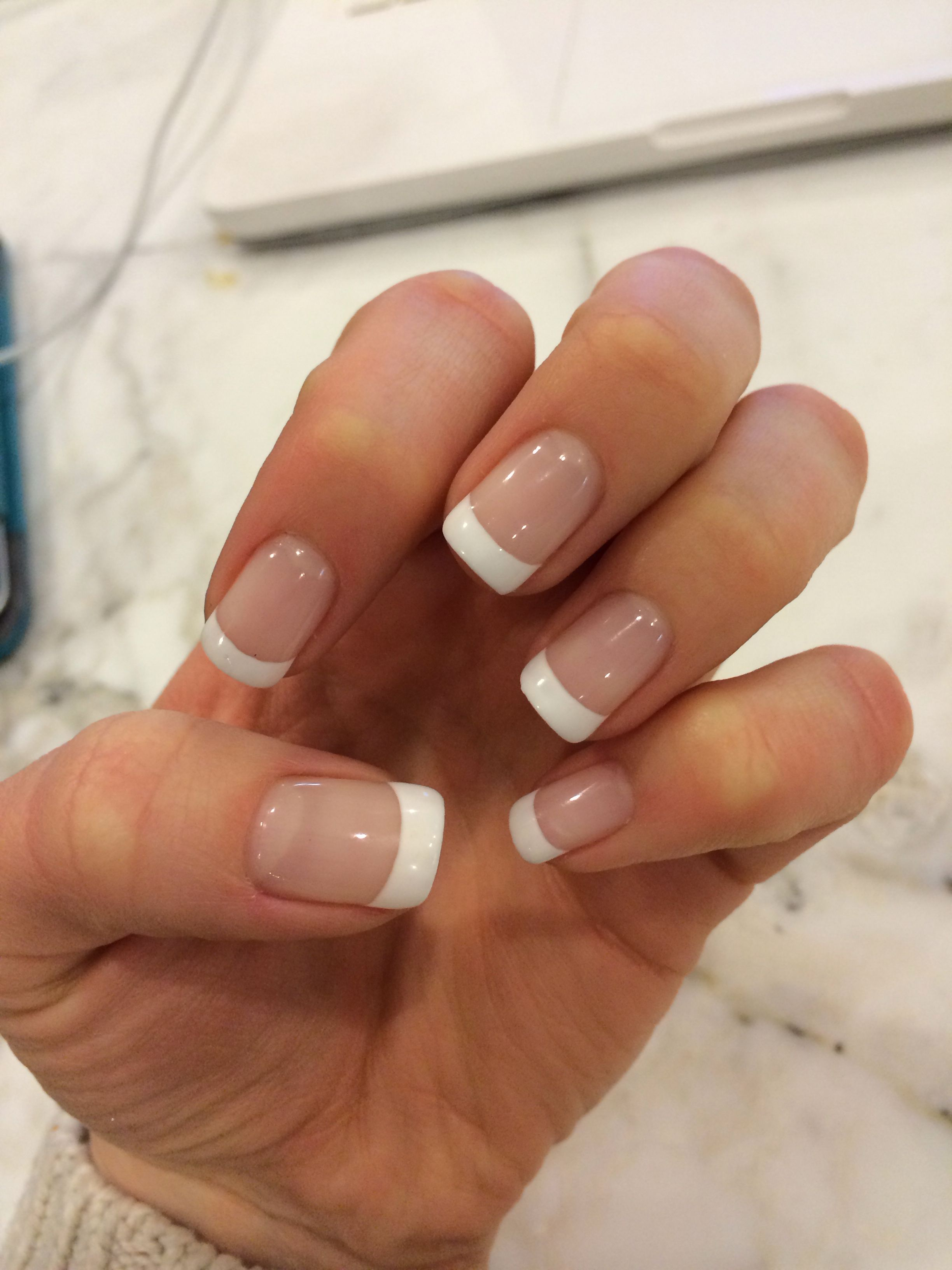 French Tip Nails: Gel French Manicure