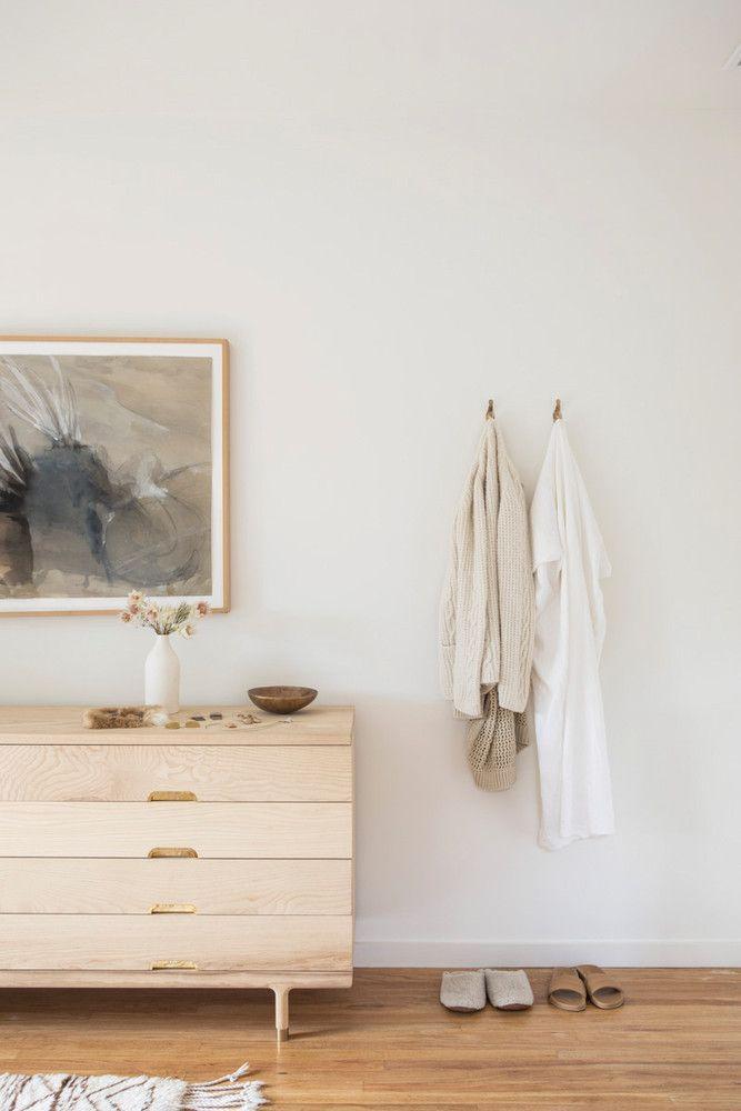 A Minimalist Los Angeles Home Where Quiet Is Key Salón - decoracion de interiores dormitorios