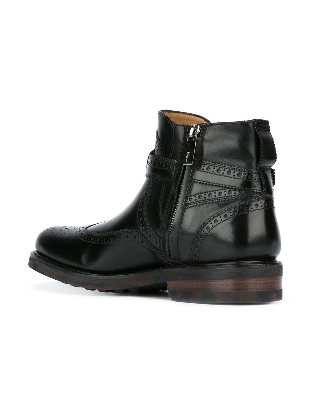 c7b58a5d5f8 Salvatore Ferragamo buckled boots Botas Con Hebillas