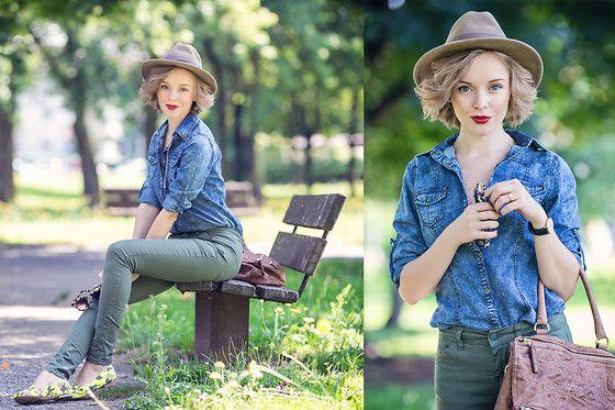 Darya Kamalova -  - SANTA CLARA FLUO LOAFERS